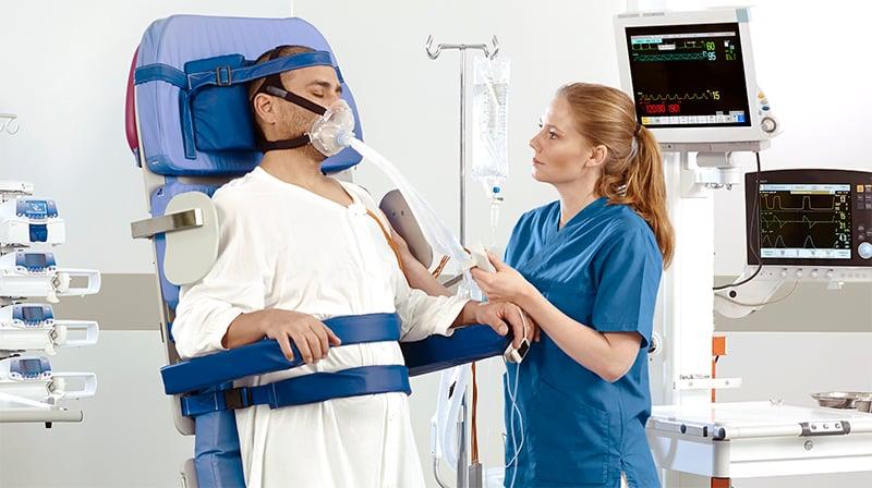 arjo-blog-when-does-mobility-begin-sara-combilizer-nurse-patient