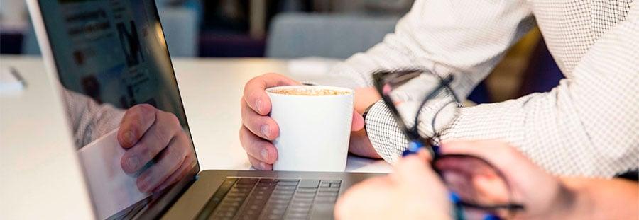 arjo-blog-how-clinician-can-get-most-webinars-header